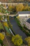Puentes de la ciudad de Luxemburgo en caída imagen de archivo libre de regalías