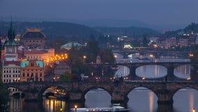 Puentes de la tarde en Praga Lapso de tiempo 4K almacen de video