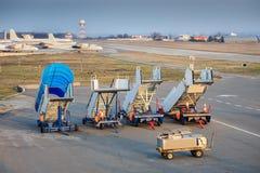 Puentes del embarque de los aviones foto de archivo libre de regalías