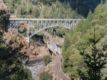 Puentes del gemelo de Pulga Imagen de archivo libre de regalías