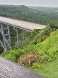 Puentes enormes stock afbeeldingen