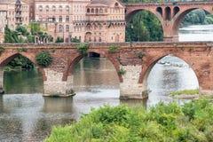 Puentes sobre el río el Tarn en Albi, Francia Imagen de archivo libre de regalías