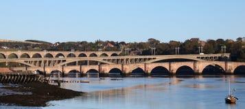 Puentes sobre el tweed del río, Berwick, Northumberland imagenes de archivo