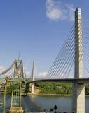 Puentes viejos y nuevos Imágenes de archivo libres de regalías