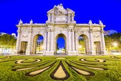 puerta Испания alcala de строба историческое обнаруженное местонахождение madrid Стоковое фото RF