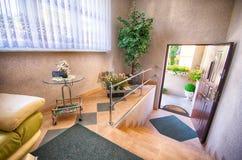 Puerta abierta al hogar Fotografía de archivo libre de regalías