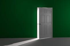 Puerta abierta con la luz entrante Fotografía de archivo libre de regalías