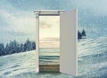 Puerta abierta a otra estación Fotografía de archivo libre de regalías