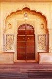 Puerta adornada antigua Fotos de archivo