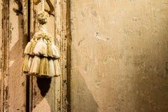 Puerta adornada del armario Foto de archivo