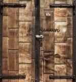 Puerta aherrumbrada Imagenes de archivo