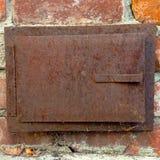 Puerta al aire libre de la chimenea del vintage Imagen de archivo libre de regalías