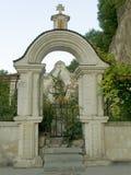 Puerta al cementerio Imágenes de archivo libres de regalías