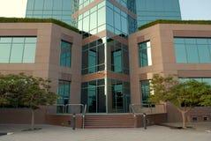 Puerta al edificio imágenes de archivo libres de regalías