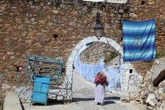 Puerta al Medina de Chefchaouen Foto de archivo