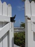 Puerta al paraíso en Key West, la Florida Imagenes de archivo
