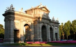 puerta alcala de Μαδρίτη στοκ φωτογραφία με δικαίωμα ελεύθερης χρήσης
