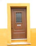 Puerta amarilla fotos de archivo libres de regalías