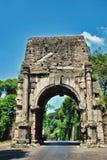 Puerta antigua de la ciudad de Roma Fotos de archivo