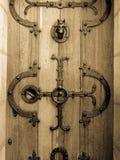 Puerta antigua del castillo Fotografía de archivo libre de regalías