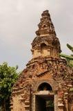 Puerta antigua del templo del ladrillo imágenes de archivo libres de regalías