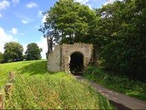 Puerta antigua en Inglaterra Foto de archivo