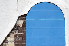 Puerta azul de madera vieja Imagenes de archivo