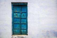 Puerta azul vieja Imagen de archivo libre de regalías