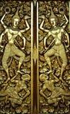 Puerta budista de la iglesia en arte tailandés del estilo Fotos de archivo libres de regalías