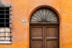A puerta cerrada Imagenes de archivo