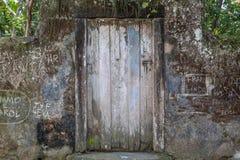 Puerta cerrada en Paraty, Rio de Janeiro Imágenes de archivo libres de regalías
