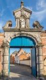 Puerta a Closter de Beguinages en Lier - Bélgica imagen de archivo libre de regalías