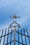 Puerta con la cruz Foto de archivo libre de regalías