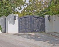 Puerta contemporánea de la casa imágenes de archivo libres de regalías