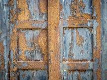 Puerta de acero oxidada imagen de archivo libre de regalías