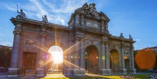 Puerta de Alcala gelegen in Madrid Lizenzfreie Stockbilder