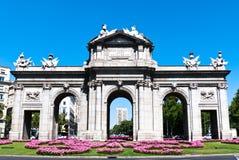 Puerta DE Alcala, in Madrid, Spanje Stock Foto's