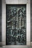 Puerta de Almudena Cathedral foto de archivo