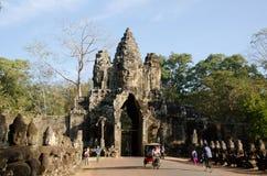Puerta de Angkor Thom Imágenes de archivo libres de regalías
