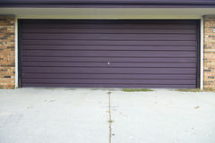 Puerta de arriba del garage de la fibra de vidrio vieja Imágenes de archivo libres de regalías