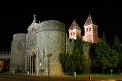 Puerta de Bisagra en Toledo, España imagen de archivo