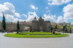 Puerta de Bisagra ou porte d'Alfonso VI dans la ville de Toledo, Espagne Photographie stock
