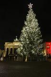 Puerta de Brandeburgo del árbol de navidad Fotografía de archivo