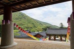 Puerta de Burimun y otros edificios en el templo de Beomeosa en Busán Imagen de archivo