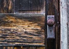 Puerta de cabina vieja de registro Foto de archivo libre de regalías