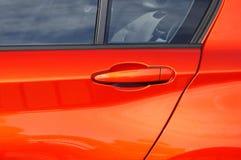 Puerta de coche con la maneta Foto de archivo libre de regalías