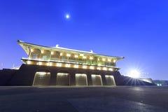 Puerta de Dangfengmen de la vista daming de la noche del palacio Foto de archivo libre de regalías