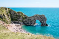 Puerta de Durdle, Dorset en Reino Unido, sitio jurásico del patrimonio mundial de la costa imagen de archivo