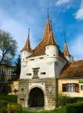 Puerta de Ecaterina en la ciudad de Brasov Imagenes de archivo