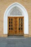 Puerta de entrada de madera árabe del este antigua fotografía de archivo libre de regalías